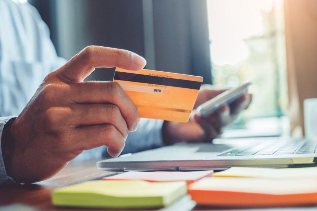 e-commerce-2020-1200x800